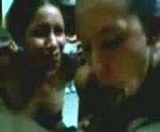 De Coleccion! Hermanitas latinas mamando al mismo tiempo