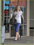 Dakota Fanning / Michael Sheen - Imagenes/Videos de Paparazzi / Estudio/ Eventos etc. - Página 2 84c6f2108696210