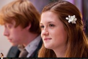 Bonnie Wright - Harry Potter 7 pics - x5 hq