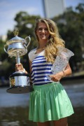 Виктория Азаренко, фото 219. Victoria Azarenka Posing with the Australian Open Trophy along the Yarra River in Melbourne - 29.01.2012, foto 219