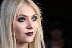 820c64179710070 Taylor Momsen   Launch Party for Abbey Dawn By Avril Lavigne (March 13) x39