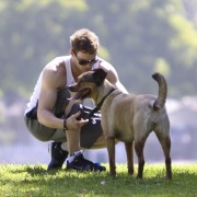Kellan Lutz walking his dogs July 23rd Dc4d2289844571