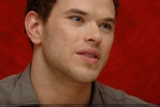 New Kellan Lutz portraits from 'Eclipse' press conference [HQ, tagged] 13e76d91112090
