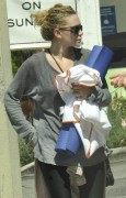 "Ashley Olsen ""Out & About"" Strolling In Brentwood -August 21st 2010- (HQ X15)"
